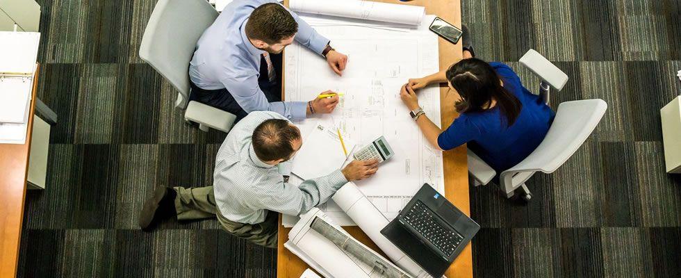 Pourquoi le mentorat repreneurial facilite la transmission d'entreprise